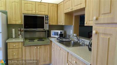 Hallandale Condo/Townhouse For Sale: 620 NE 12th Ave #506