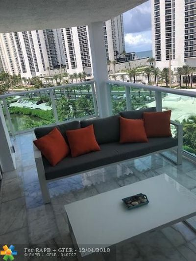Sunny Isles Beach Condo/Townhouse For Sale: 100 Bayview Dr #805