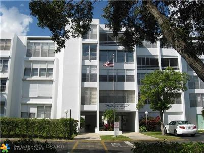 Plantation Condo/Townhouse For Sale: 6903 Cypress Rd #D23