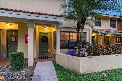 Coconut Creek Condo/Townhouse For Sale: 3726 Coral Tree Cir #3726
