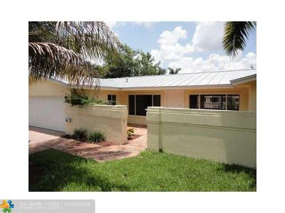 Deerfield Beach Single Family Home For Sale: 911 SE 11th St