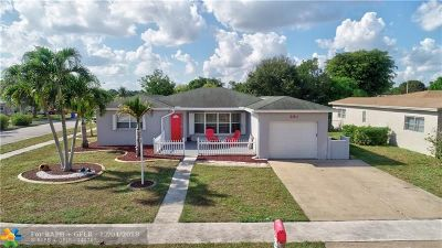 Margate Single Family Home For Sale: 890 SW 49th Ter