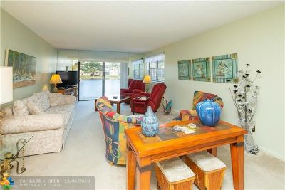 Tamarac Condo/Townhouse For Sale: 4975 E Sabal Palm Blvd #105
