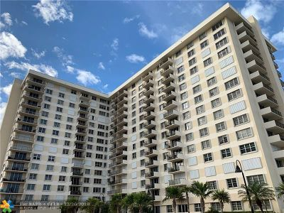 Lauderdale By The Sea Condo/Townhouse For Sale: 1900 S Ocean Blvd #8R