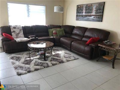 Deerfield Beach Condo/Townhouse For Sale: 3033 Farnham O #3033