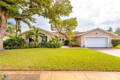 Plantation Single Family Home For Sale: 2120 SW 52nd Ter