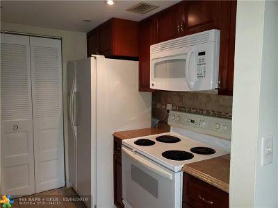 Dania Beach Condo/Townhouse For Sale: 500 NE 2nd St #425