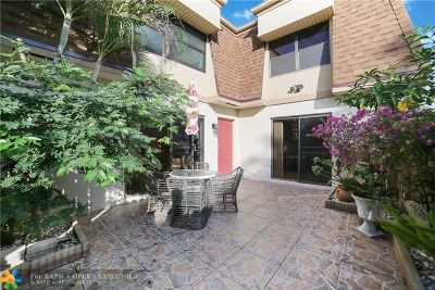 Delray Beach Condo/Townhouse For Sale: 2622 NW 7th Ct #D