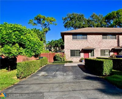 Wilton Manors Condo/Townhouse Backup Contract-Call LA: 2122 NE 9th Ave #2122
