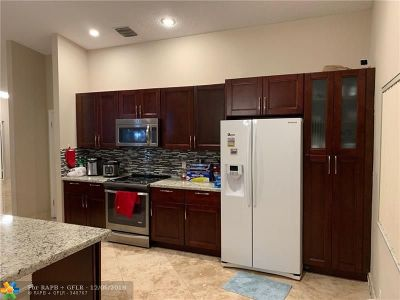Coconut Creek Single Family Home For Sale: 3860 NW 58th St