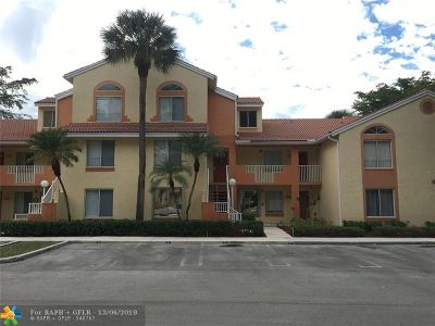 Coral Springs Condo/Townhouse For Sale: 1076 Coral Club Dr #1076