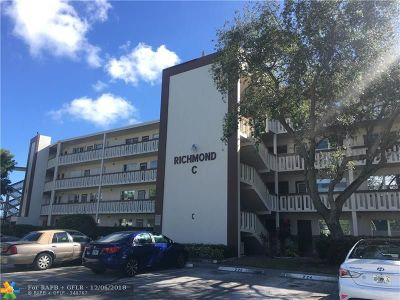 Deerfield Beach Condo/Townhouse For Sale: 322 Richmond C #322
