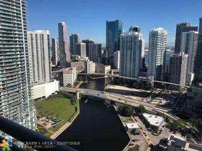 Miami Condo/Townhouse For Sale: 690 SW 1st Ct #PHii-10