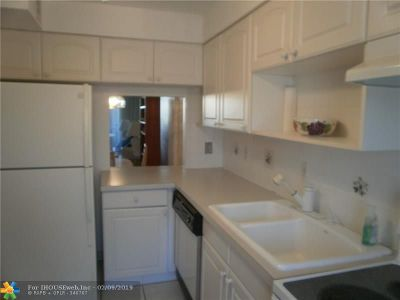 Lighthouse Point Condo/Townhouse For Sale: 4500 N Federal Hwy #120C