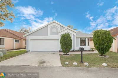 North Lauderdale Single Family Home For Sale: 728 Holly St