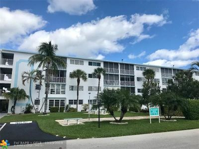 Pompano Beach FL Condo/Townhouse For Sale: $220,000