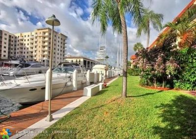 Fort Lauderdale Condo/Townhouse For Sale: 1700 SE 15th St #109