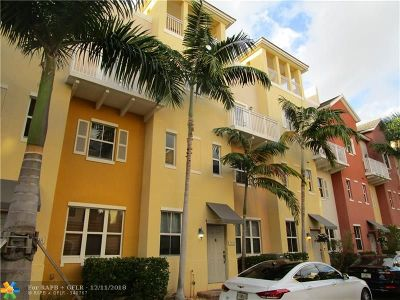Lighthouse Point Condo/Townhouse For Sale: 2320 Vintage Cir #2320