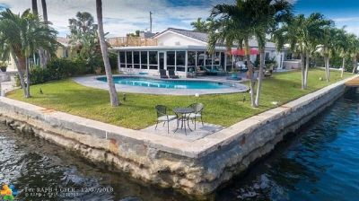 Deerfield Beach Single Family Home For Sale: 1589 SE 8th St