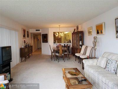 Tamarac Condo/Townhouse For Sale: 7315 Granville Dr #108