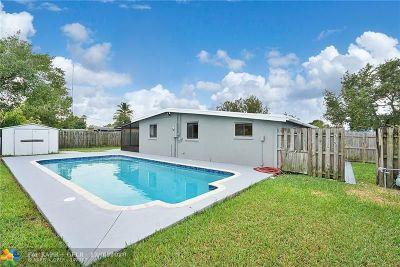 Margate Single Family Home For Sale: 5817 Park Dr