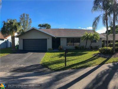 Tamarac Single Family Home For Sale: 8289 Cassia Ter