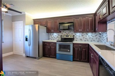 Lauderhill Condo/Townhouse For Sale: 7050 NW 44th St #704