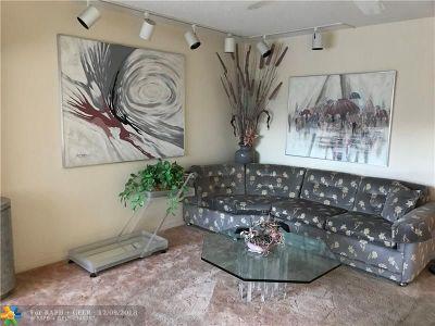 Deerfield Beach Condo/Townhouse For Sale: 3056 Newport N #3056
