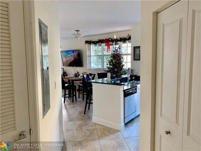 Delray Beach Condo/Townhouse For Sale: 235 NE 1st St #305
