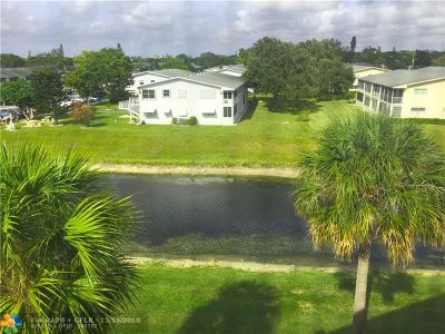 Deerfield Beach Condo/Townhouse For Sale: 4118 Newport U #4118