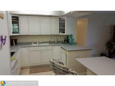 Fort Lauderdale Condo/Townhouse For Sale: 1101 River Reach Dr #302