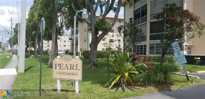 Lauderdale Lakes Condo/Townhouse For Sale: 4151 NW 41st St #104