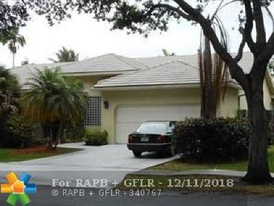 Cooper City Single Family Home For Sale: 10533 Zurich St