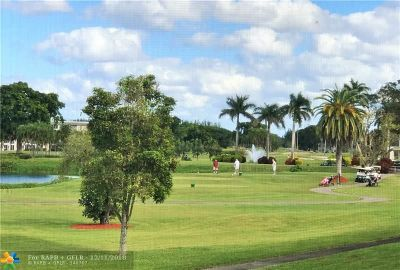 Coconut Creek Condo/Townhouse For Sale: 2802 Victoria Way #O-2