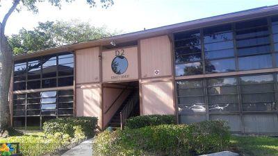 Tamarac Condo/Townhouse For Sale: 10427 E Clairmont Cir #207