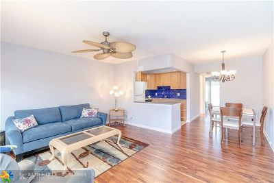 Deerfield Beach Condo/Townhouse For Sale: 110 Oakridge I #110