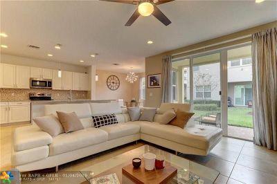 Davie Single Family Home For Sale: 5301 Golden Eagle Ter