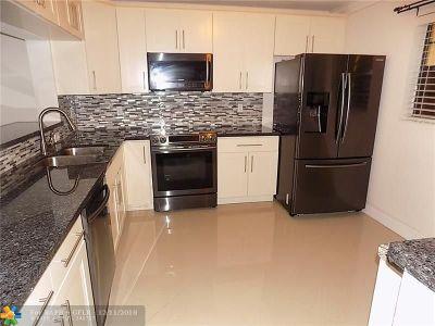 Tamarac Condo/Townhouse For Sale: 4940 Apt. #109 E Sabal Palm #109