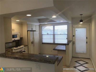 Coconut Creek Condo/Townhouse For Sale: 2006 Granada Dr #H4