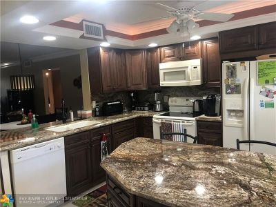 Coconut Creek Condo/Townhouse For Sale: 2006 Granada Dr #H1