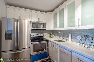 Deerfield Beach Condo/Townhouse For Sale: 1003 Harwood C #1003
