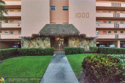 Hallandale Condo/Townhouse For Sale: 1000 NE 14th Ave #308
