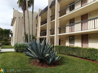 Coral Springs Condo/Townhouse For Sale: 8433 W Forest Hills Dr #103