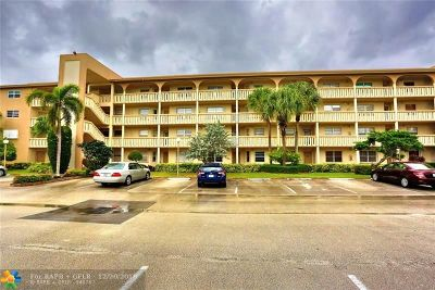 Coconut Creek Condo/Townhouse For Sale: 1605 Abaco Dr #C-4
