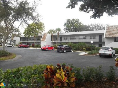 Pompano Beach Condo/Townhouse For Sale: 800 E Cypress Ln #103