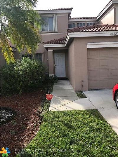 Davie Condo/Townhouse For Sale: 11122 SW 17th Mnr