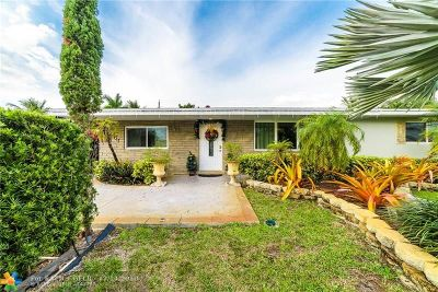 Pembroke Pines Single Family Home For Sale: 7761 NW 10th St