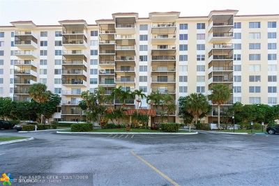 Lauderhill Condo/Townhouse For Sale: 4164 Inverrary Dr #204