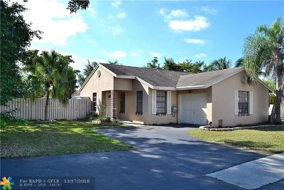 Davie Single Family Home For Sale: 13950 Oaklawn Pl