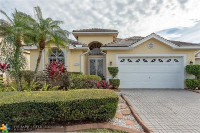 Coral Springs Single Family Home For Sale: 12220 Glenmore Dr